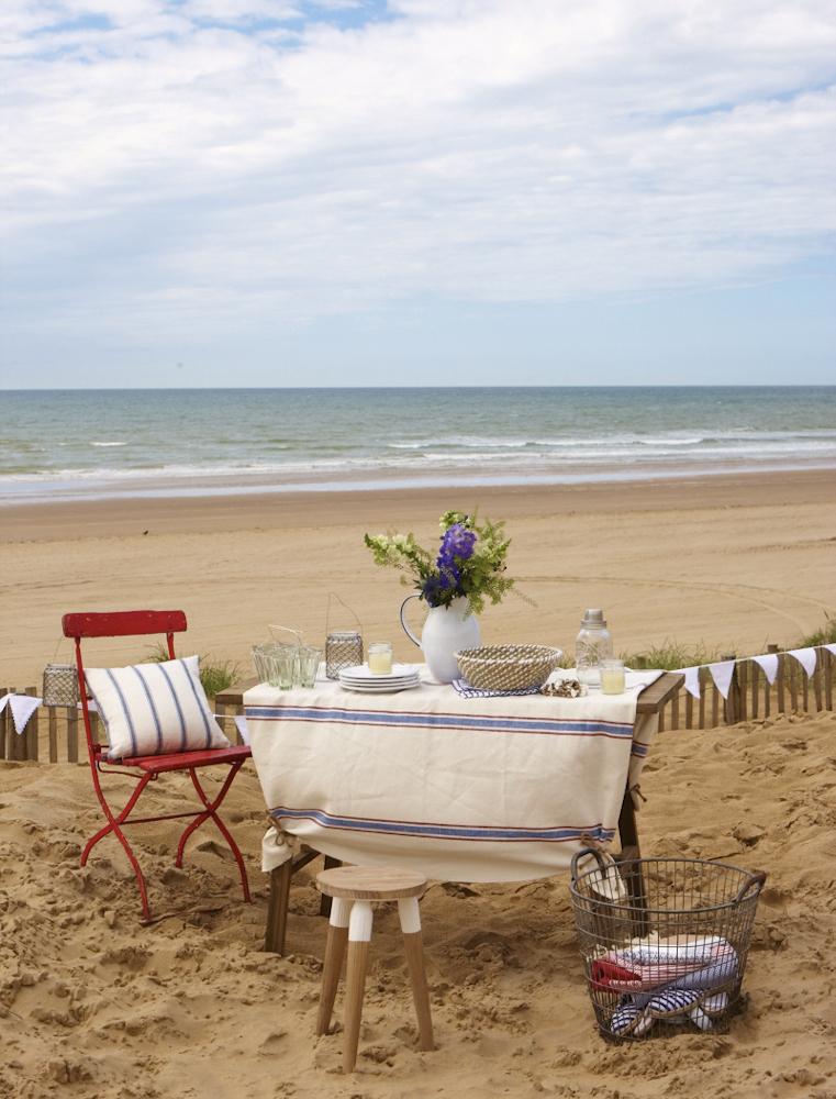 Coast August 2014 45196