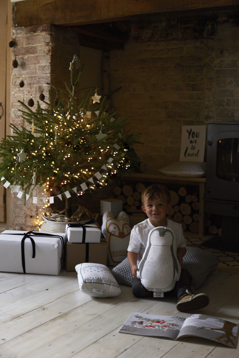 hygge style christmas interior photography and still life photography by joanna henderson