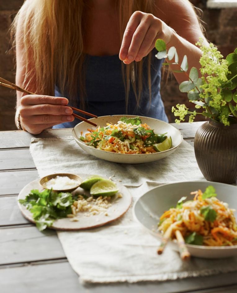 skin-healing-food-pad-thai